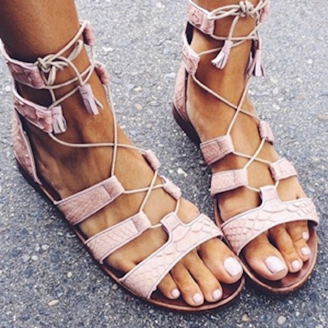 lace-up-sandals-style