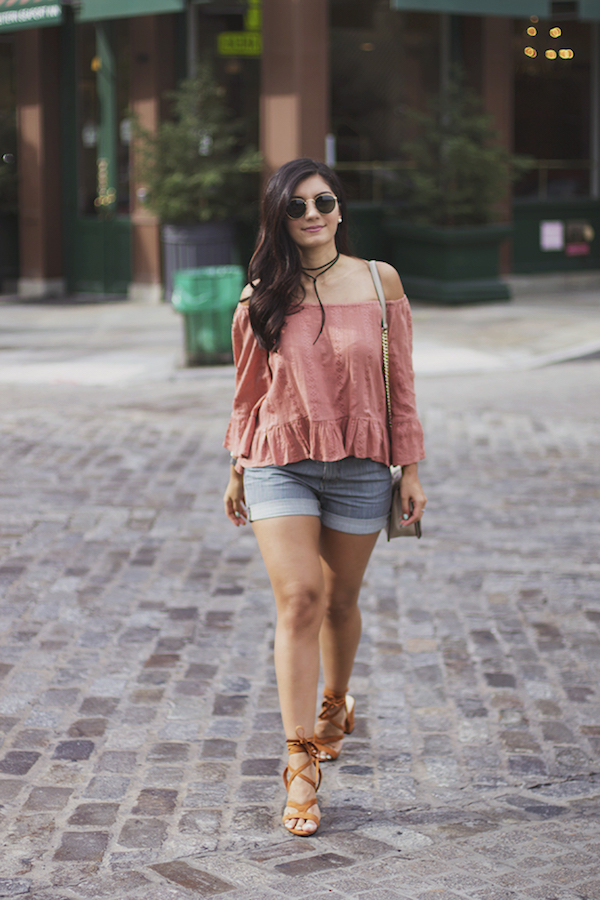 blogger-off-the-shoulder-top-choker-necklace