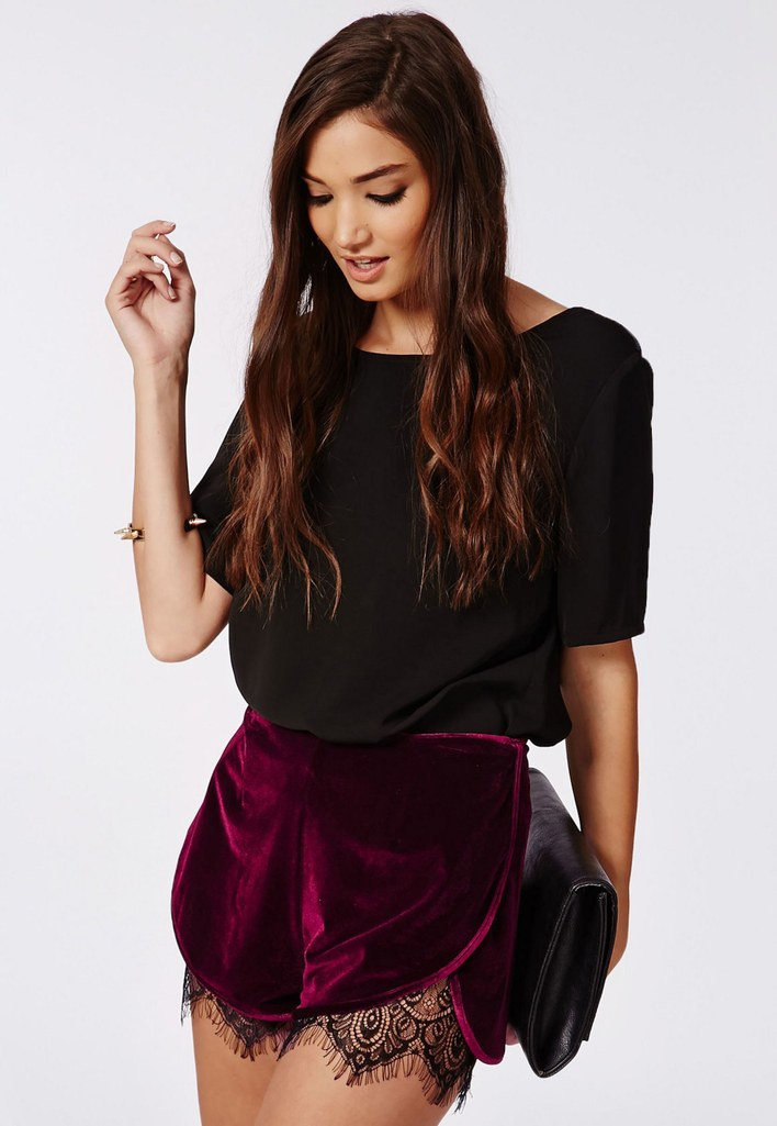 fashion-2014-12-09-missguided-velvet-lace-trimmed-shorts-main
